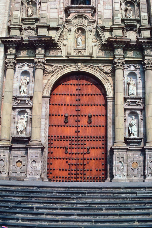 Door of the National Cathedral, Lima